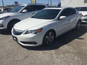 2013 ACURA ILX . PEARL WHITE ON BLACK