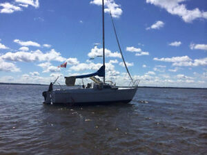 Beautiful sail boat for beginners or one man sail