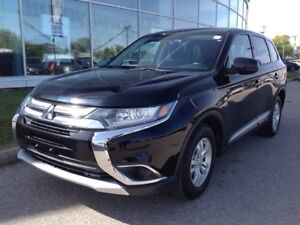2017 Mitsubishi Outlander ES AWD Backup Camera No Accidents