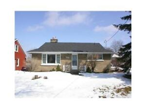 Legal 3 Bed-Main Floor Bungalow-2 Parking-Laundry- Back Yard