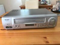 VHS Recorder/Player SHARP VC-MH704