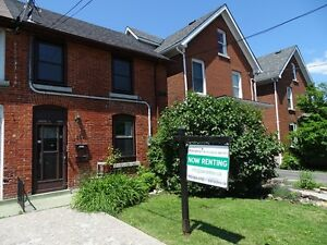 LOVELY 2 BDRM IN GREAT DOWNTOWN LOCATION - 252-2 Rideau St