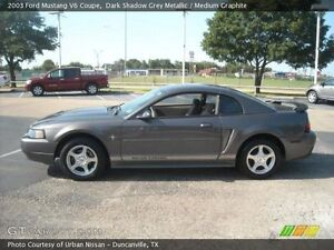 2003 Ford Mustang Coupe V6