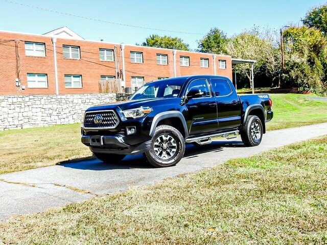 Image 3 Voiture American used Toyota Tacoma 2018