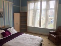 Fully Furnished Double Room With All Bills Included - Move In With Reduced Rent And No Bond