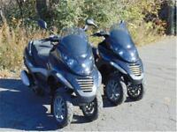 Lot de 2 scooters PIAGGIO MP3 250 IE trois-roues