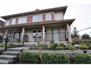 Move-in Ready! Deluxe Townhouse close to Metrotown for rent