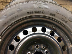 Like New Winter Snow Tire Set With Rims Infiniti QX50 or EX35 Kawartha Lakes Peterborough Area image 3