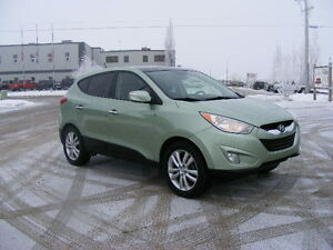2010 Hyundai Tucson LIMITED--ALL WHEEL DRIVE--