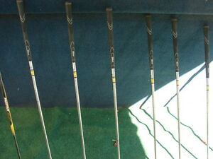 Men's Right Hand Golf sets Wilson pro staff Sarnia Sarnia Area image 6
