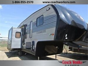 Lite weight couples 5th wheel that is fully loaded! Call tristan Edmonton Edmonton Area image 1