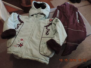 Girl's Size 4T Snow Suits & Coat London Ontario image 3