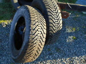 2 15 inch studded snow tires P195/65R15