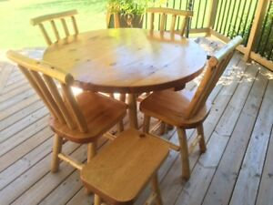 Rustic Cottage Table & Chair Set