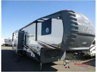 VALUE AND QUALITY SHOWS IN THIS 2015 Seismic 3914 Toy Hauler