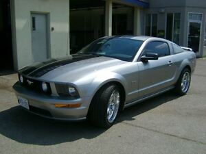 2008 Ford Mustang Coupe (2 door) MINT.