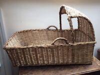 Wicker baby's crib