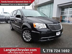 2016 Chrysler Town & Country Touring-L ACCIDENT FREE w/ POWER...