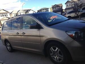 2006 Honda Odyssey EXL with DVD, Van, In Great Condition