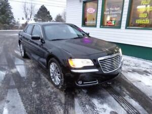 2014 Chrysler 300 AWD & LOW KMS only $207 bi-weekly ALL IN!
