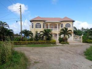House for sale in Jamaica near the popular town of Ocho Rios