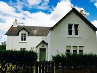 Lovely 4/5 bed spacious family house to rent. Near Logie Primary School
