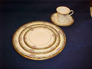 Noritake china mi amore pattern