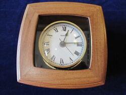 Colonial Molyneux Quartz Wooden Desk Clock Handsome and Unusual   SH