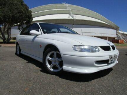1998 Holden Commodore VT S Heron White 5 Speed Manual Sedan