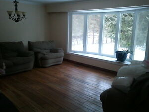 House for rent on 1 acre property in Aurora
