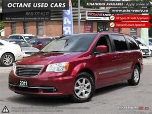 2011 Chrysler Town & Country Touring -Accident Free!  Backup Cam