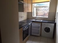 One bedroom, Ground floor flat, located within a 10 minute walk to Old Market, Available now. £660PM