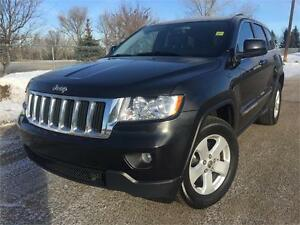 2013 Jeep Grand Cherokee 4x4  **LEATHER-SUNROOF**
