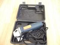 230 V BLACK&DECKER angle grinder