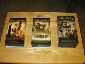 3 LORD OF THE RINGS VHS VERSION & 3 VHS EXTENDED VERSION MOVIES