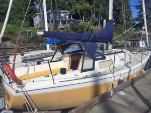 Cal 2 - 27' Sailboat for sale $16,900 - fully loaded