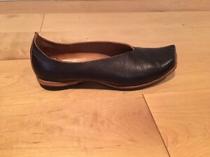 Black Cydwoq flats, barely worn, immaculate condition