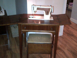 GONE - FREE SINGER SEWING MACHINE LOOKING FOR A GOOD HOME