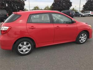 Belle Toyota Matrix 2010,A/C,grpe electric,propre,4 cylindre woo