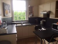 Central Bath - Fully furnished 2 bedroom flat (sleeps 4) on North Parade