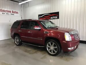 2010 Cadillac Escalade Luxury AWD/LEATHER/NAVIGATION/DVD/7 PASS
