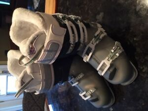Woman's Rossi ski boots - worn for one run