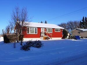Upgraded bungalow available in Tofield!