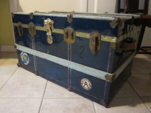 valise/malle en métal