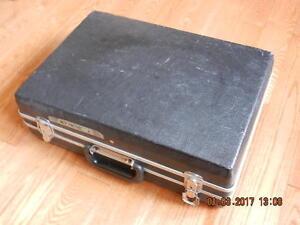 Attache tool case