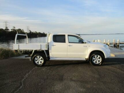 2011 Toyota Hilux KUN26R MY11 Upgrade SR5 (4x4) White 5 Speed Manual Dual Cab Pick-up Dapto Wollongong Area Preview