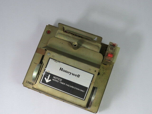 Honeywell R4140M-1053 Flame Control Only  USED