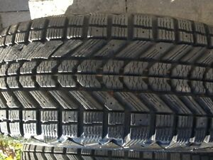 "Staggered winter tires with Hyundai rims p225/50r  p225/55r 17"" Cambridge Kitchener Area image 4"