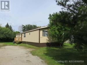 Slave Lake: Large, Treed, Private Lot- Right in Town!!