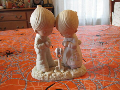 PRECIOUS MOMENTS PRAYER CHANGES THINGS FIGURINE FREE SHIPPING